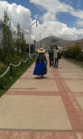 Yes, Peruvian women really do dress like this